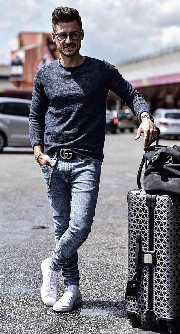 Casual mens fashion for the airport