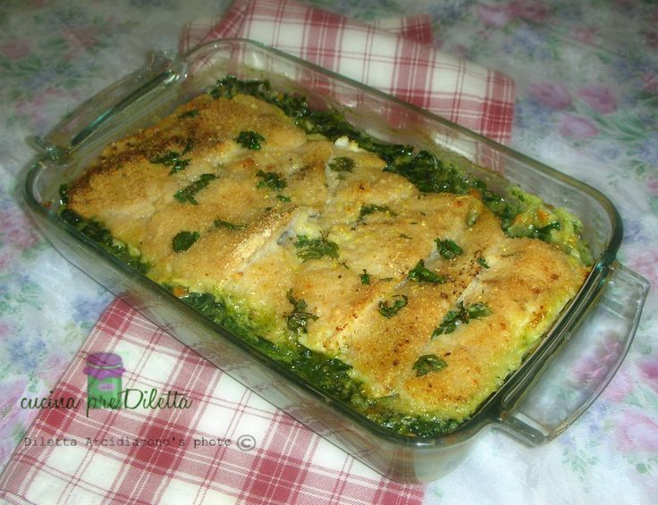 Filetti di merluzzo gratinati con spinaci, la ricetta di un secondo piatto di pesce con crema di spinaci. Per preparare i filetti di merluzzo gratinati.....