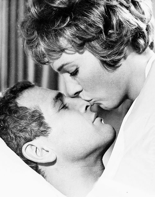 Julie Andrews and Paul Newman in Torn Curtain