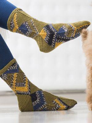 Domino-tekniikalla neulotut sukat Novita Venla Nature ja Novita Venla | Novita knits