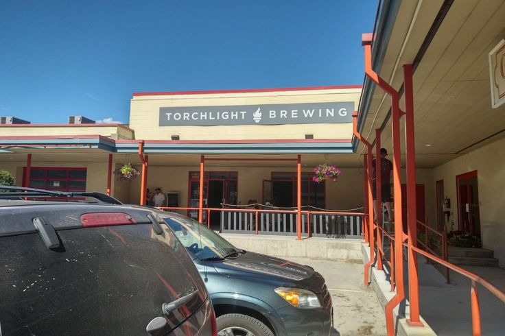 Chelsea of Brewtiful British Columbia and I headed out to Nelson BC in the Kootenays for the Grand Opening party of the new location for Torchlight Brewing. This also happened to be their 3rd anniversary party. Check out our latest Pacific Beer Chat episode where we interview Josh and Craig the founders.   http://pacificbeerchat.com/2017/06/26/episode-18-torchlight-brewing/