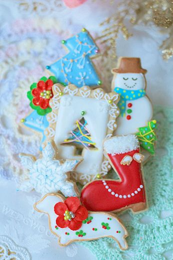 """Christmas icing cookie"