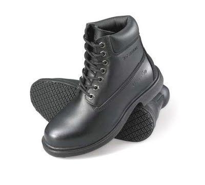 Botín Punta Acero 7161 - roomsandtables. Marca Genuine Grip. #chef #uniformes #calzado #zapatos #cocinero
