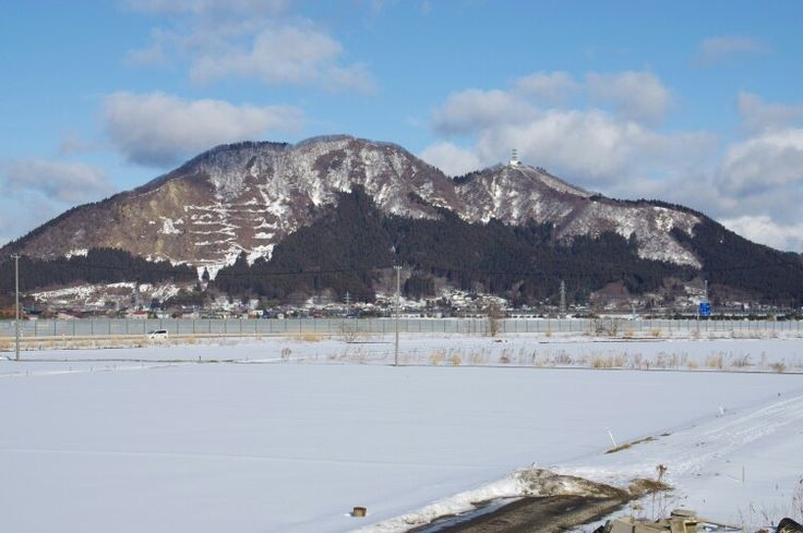 Mori mountain 2015-01-31(Hachirogata town) 八郎潟町から見える森山