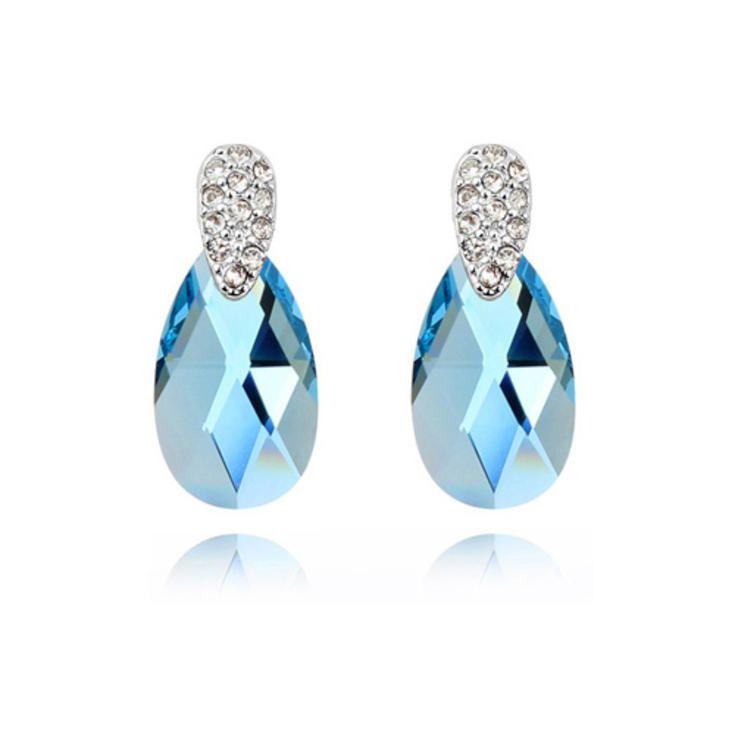 Náušnice s krystalem Swarovski elements #sperky #jewellery #jewelry #fashionjewellery #bizu #earrings #czech #czechgirl #náušnice #swarovski elements