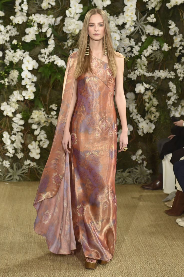 Ralph Lauren Ready-to-Wear Fall/Winter 2017-2018 Fashion Show  (Photo by Catwalking/Getty Images)  via @AOL_Lifestyle Read more: https://www.aol.com/article/lifestyle/2017/04/04/ralph-lauren-closing-fifth-avenue-store/22025698/?a_dgi=aolshare_pinterest#fullscreen