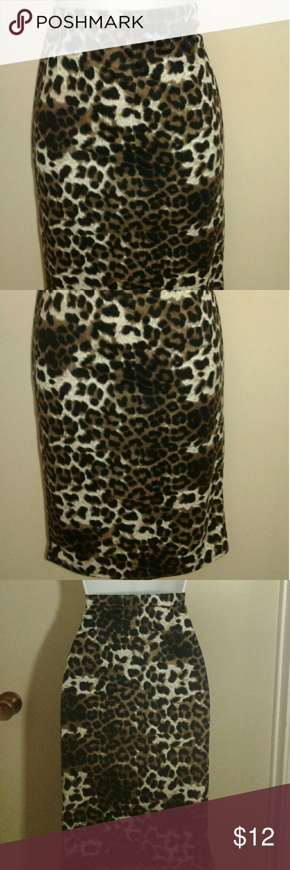 Leopard pencil skirt ❤❤❤ 95% polyester  5%spandex  Cute pencil skirt. Worn once for photo. Waist 24 to28 inches. Moa Skirts
