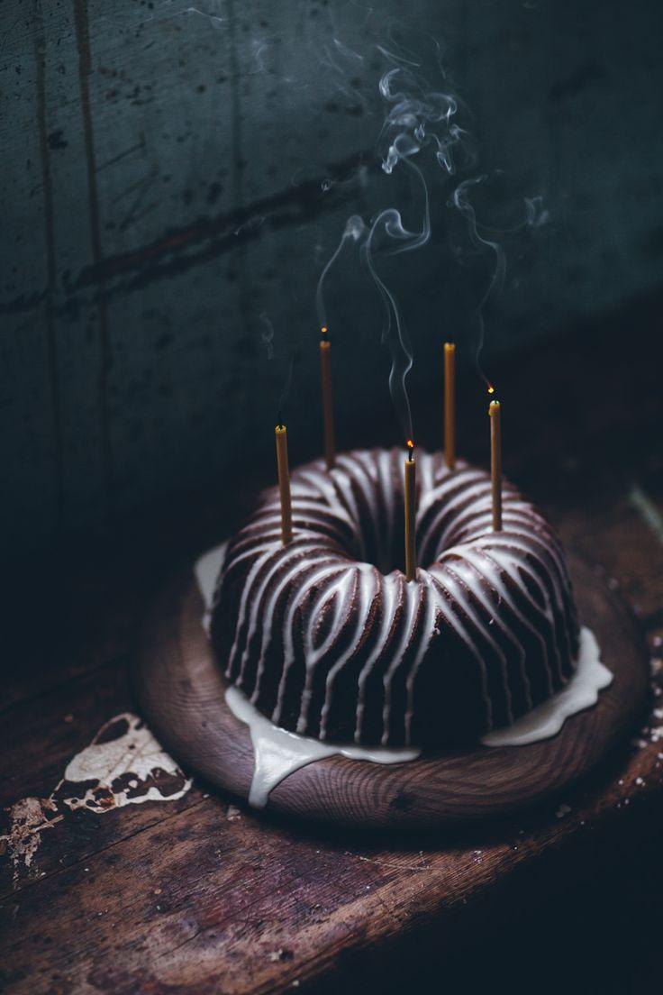 Gingerbread bundt cake // @linda_lomelino
