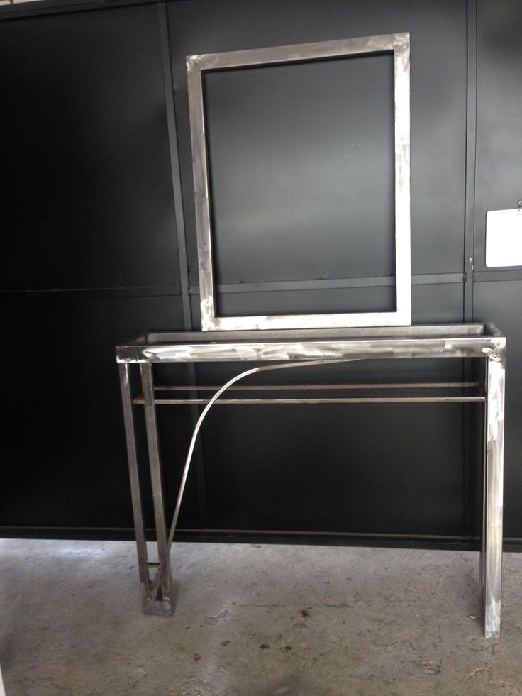 Recibidor o mueble entrada al hogar con espejo. Diseño industrial-vanguardista.  DISEÑO TECNICO EN METAL