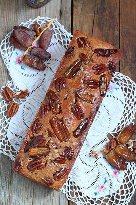 Délices d'Orient: Cake aux dattes, noix de pecan et fève tonka With translator