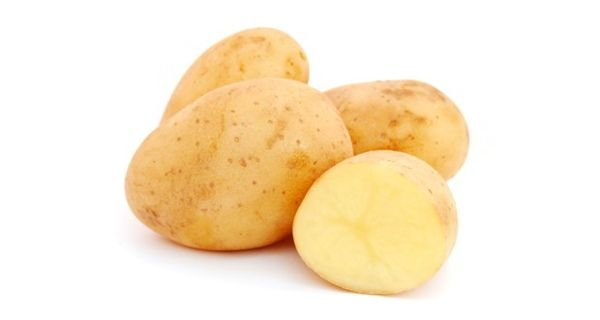 Potato is a good home remedy to get rid of dark spots from your skin. See how to use it.