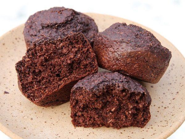 Dukan chocolate oat-bran muffins