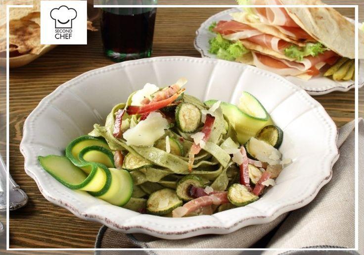 #Second_Chef  oggi ti presenta un menù speciale: millefoglie di carasau seguito da tagliatelle verdi con speck e zucchine. Volete provarlo? Andate su http://rebrand.ly/millefoglieetagliatelle  #incucinaconsecondchef  #ricette #eat #food #cucina