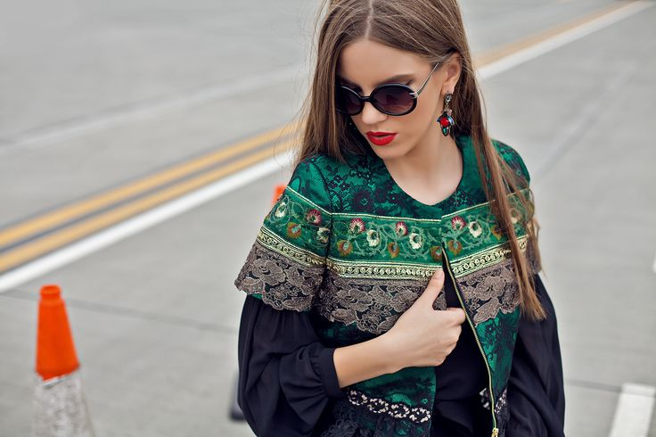 Sacou verde/ sacou cu broderie/ jacheta brodata/ tinute office/ tinute elegante/ tinute de ocazie #Embroidery #GreenJacket