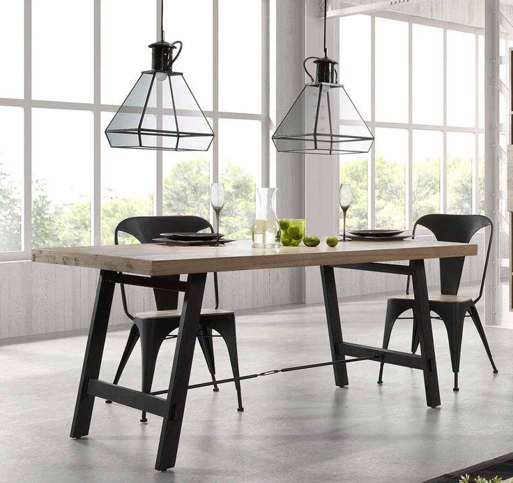 Spisebord og stoler kolleksjon VITA. #trebord #bord #stol #interiør #interiormirame #interiørmirame #spisestue #kjøkken #design #vakrehjemoginterior #vakrehjemoginteriør #nettbutikk #vita