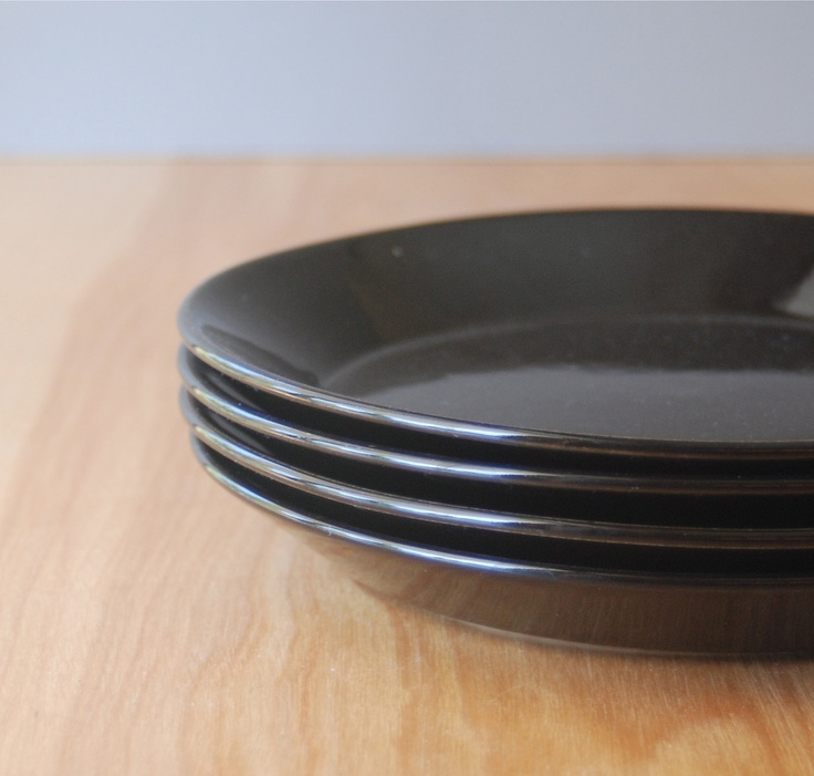 Vintage Arabia of Finland 'Teema' Salad Plates - Black. $59.00, via Etsy.