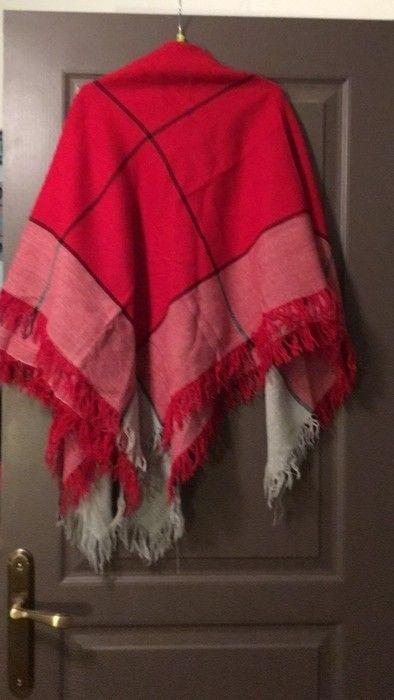 824790c6501 foulard rouge et gris