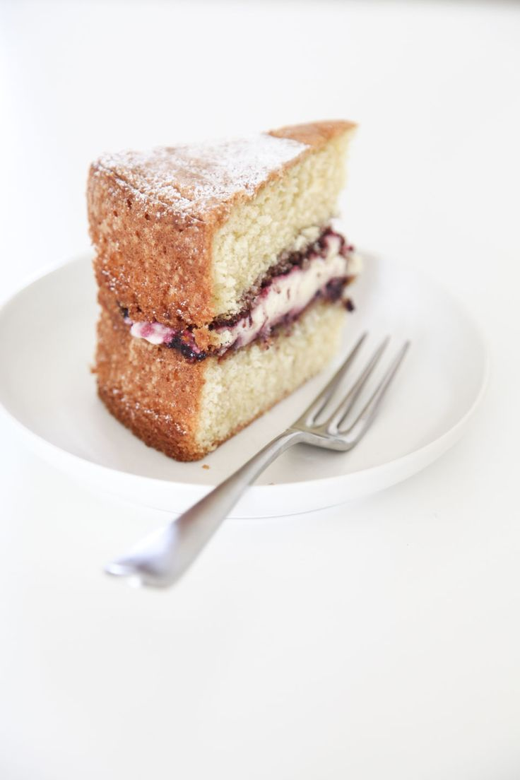 Sponge cake using spelt flour and almond meal -- intriguing!