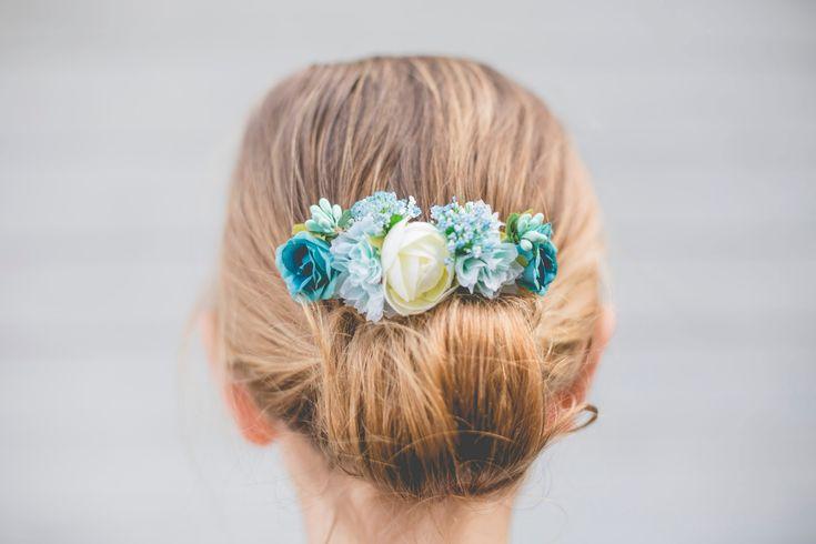 Peineta azul flores