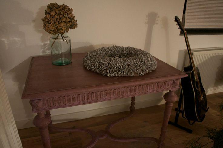 Een mooie tafel gedaan door Marianne in Annie Sloan krijtverf Emile