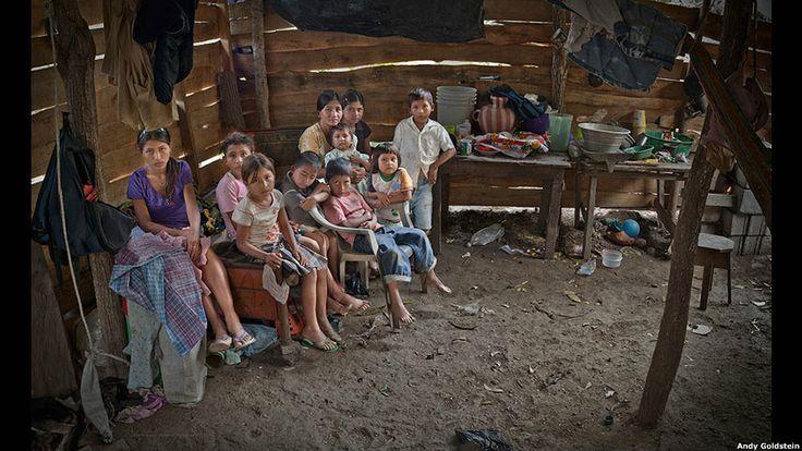 La pobreza retratada en 14 países de América Latina. Andy Goldstein (2012)