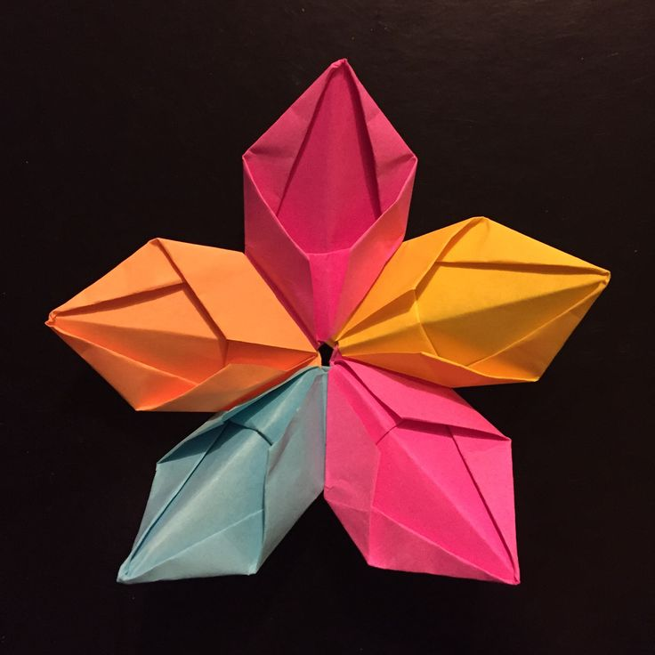 I made my own 5-Petal Flower using colourful sticky notes