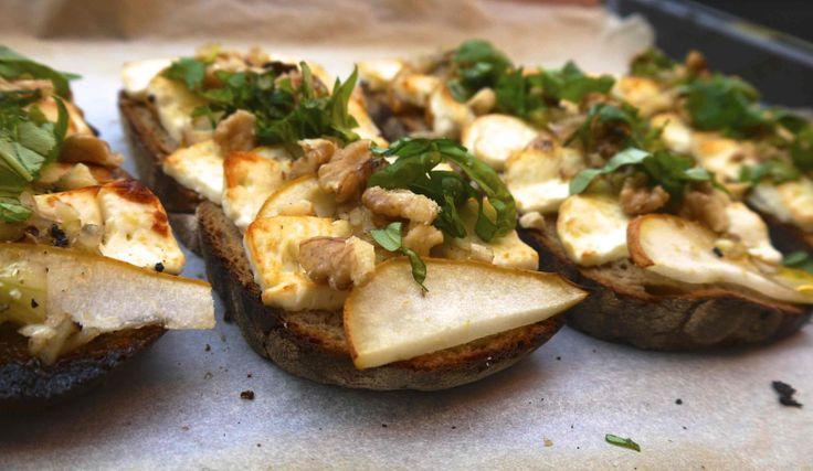 Birne Feta Brote mit Walnüssen