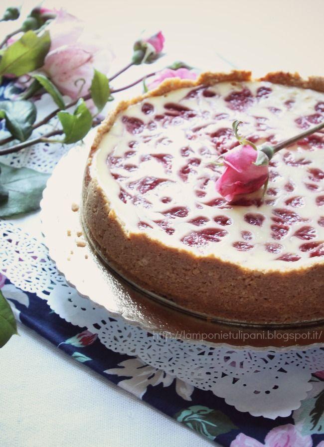 Lamponi e Tulipani: la cheesecake che ha preso una brutta crepa