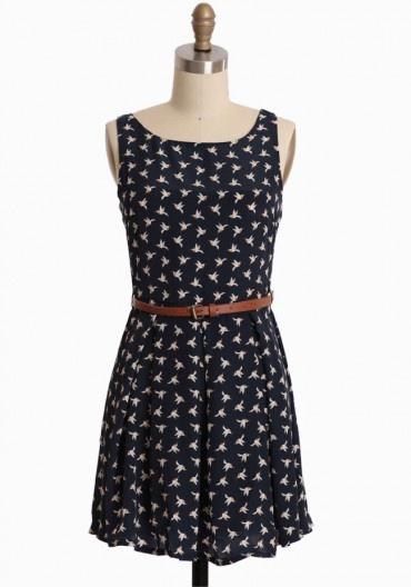 birds of a feather belted dress: Birds Prints, Navy Dresses, Dresses 46 99, Charms Navy, Feathers Dresses, Belted Dress, Modern Vintage Dresses, Feathers Belts, Belts Dresses