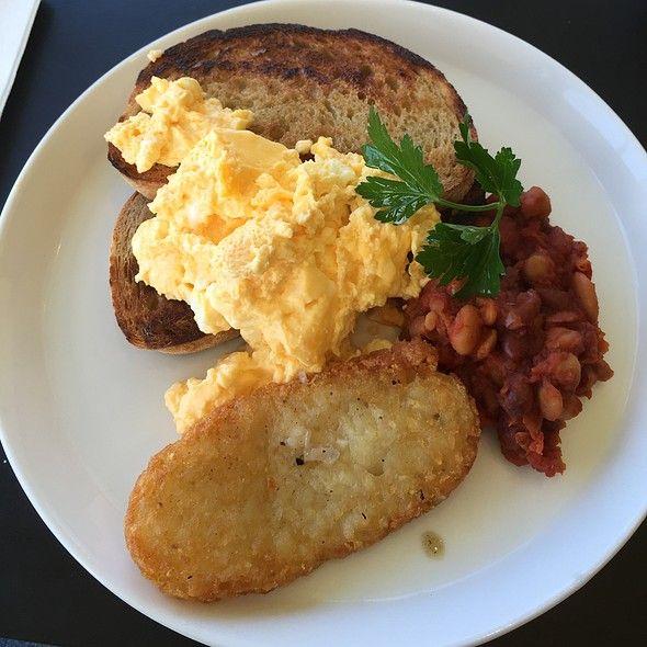 Scrambled Eggs & Baked Beans @ Mister Fox