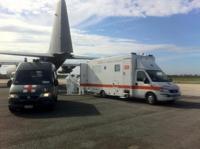 Volo dell'Aeronautica per salvare un bambino greco - http://www.sostenitori.info/volo-dellaeronautica-salvare-un-bambino-greco/273185