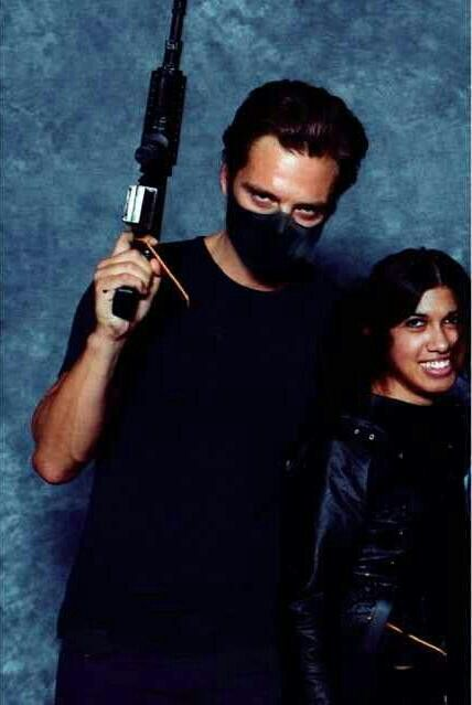 Sebastian with a fan at Wizard World Comic Con 2014 << he does the eyes so well, that menacing Winter Soldier glare, and he's not even on set it's just at comicon oh wow
