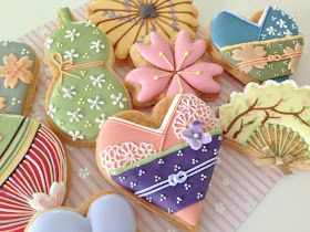 Kimono art cookies