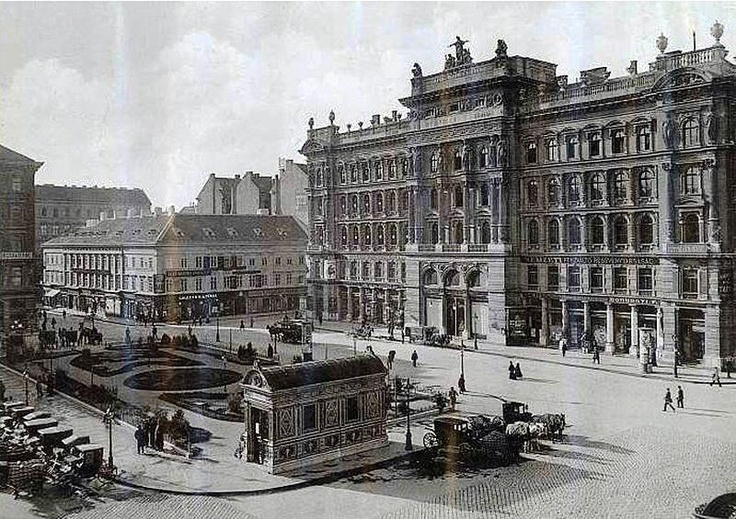 Gizella square - (Vörösmarty square today) with an underground station (it was the first after the english underground i guess)