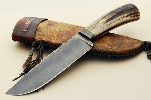 DANIEL WINKLER LOST LAKE CAMP KNIFE Blade Length: 6.75″ Overall Length: 11.75″ Blade Steel: 1084 Blade Style: Drop point hunter Guard Material: Single integral guard Handle Material: Elk Antler
