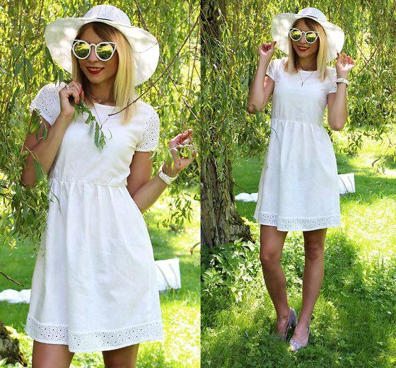 Get this look: http://lb.nu/look/8836989  More looks by Sandra Kozłowska: http://lb.nu/sandicious  Items in this look:  Lidl Dress   #retro #romantic #vintage #sandicious #lidl #outfit #dress #fashion #heels
