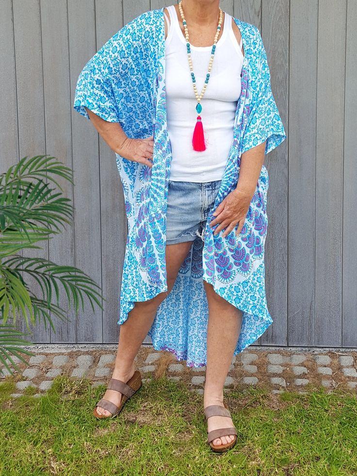 Boho chic playa Kimono en verde azulado  Flowy y nadar suave