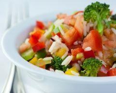 Salade de riz colorée (facile, rapide) - Une recette CuisineAZ
