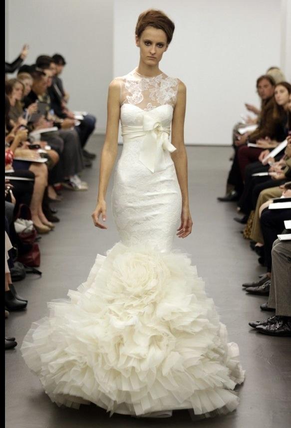 Lovely Vera Wang wedding gown