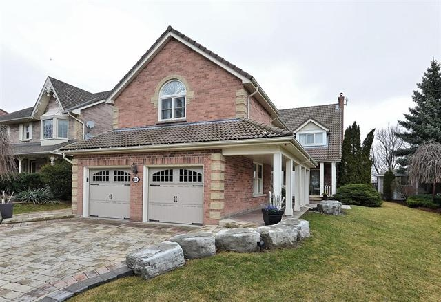 MARKHAM (ON) This exquisite home is located in the Bridle Trail. Complete with finished basement, stunning backyard with deck AND a in-ground pool. Going for only$1,388,000.00. http://www.century21.ca/Property/100868330