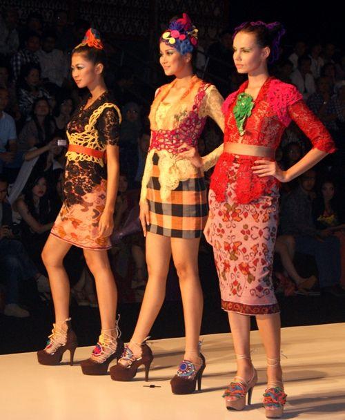 kebaya fashion   KEBAYA BALI MODIF: Tampil di Indonesia Fashion Week - Indonesian ...