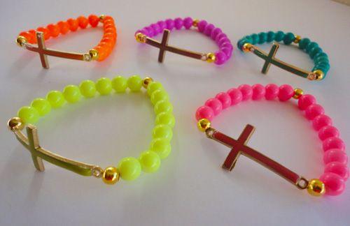 PULSERA DIJE CRUZ COLORES #venta #joyeria #semanarios #collares #pulseras #moda #oro #compra #bisuteria #bracelet #fashion #accesories #USA