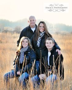 1000+ ideas about Adult Family Poses on Pinterest | Family Posing ...