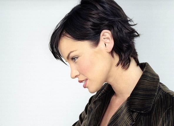Woman Very Short Hairstyles Brunette Hair Medium Wavy