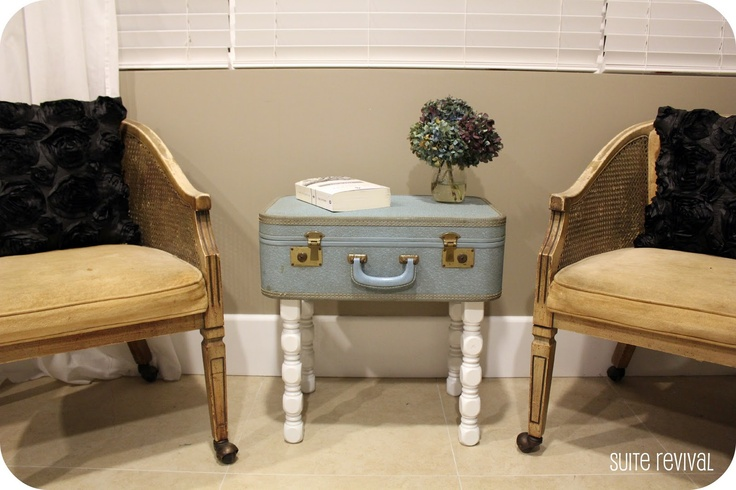 put legs on a suitcase for an end table....cool!: Suitcases Tables, Vintage Suitcases, Crafts Ideas, Old Suitcases, Suits Revival, Suitca Projects, Suitca Tables, Suitcase Table, House Ideas Diy
