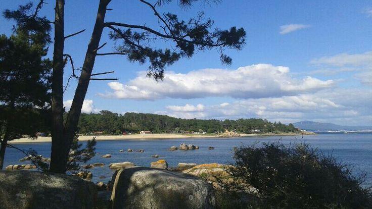 Playa de Cabio Bandera Azul #pobradocaramiñal #galicia Letsgocamping  #riadearosa Rías Baixas Galicia