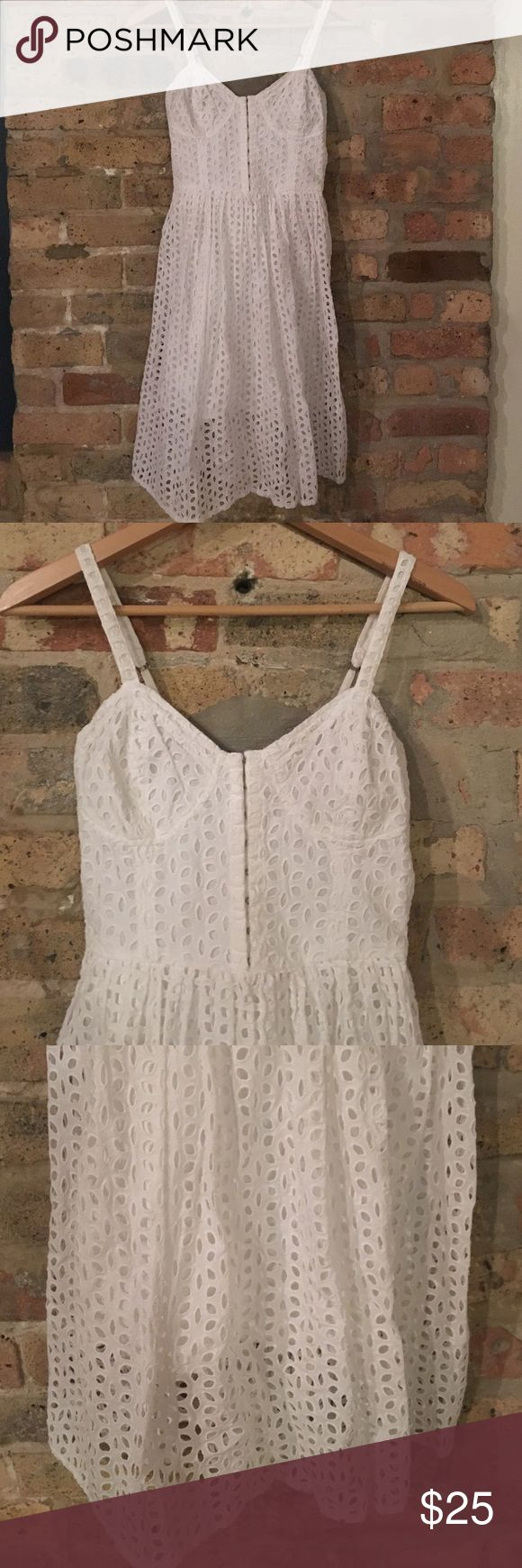 LAST CHANCE Abercrombie bustier eyelet dress Worn once Abercrombie & Fitch Dresses Midi