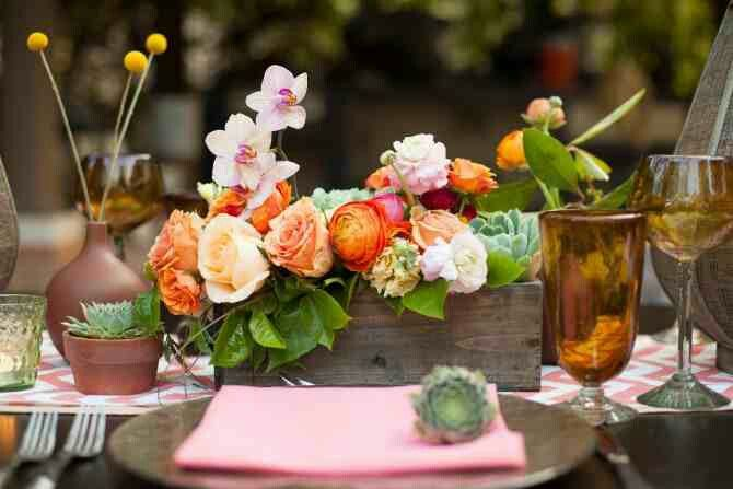 Love the flowers/succulent mix in the box and the Amber color glasses