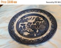 On Sale Vintage Churchill of England Blue Willow  10 inch Dinner Plate Made in…