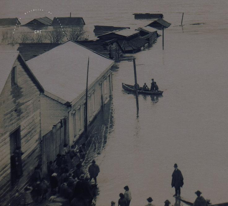 Galería Histórica de Carahue. Cultura Ribereña: Inundación en Villa Damas . 1922 ----#reverside------#ghc #carahue #memoria #patrimoniofotografico #galeriahistoricadecarahue #jolaver #jorgeolaveriveros #paranoxiarec